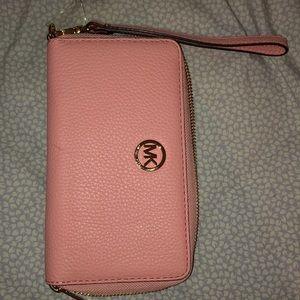 Michael Kors large flat MF phone case leather